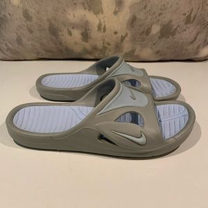BEAUTIFUL GRAY/BABY BLUE NIKE SLIDES SIZE 7